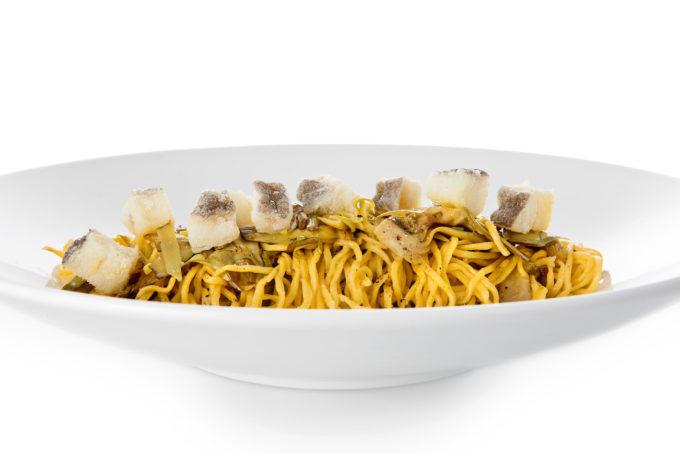 Primo - Tajarin 36 tuorli con carciofi freschi e baccalà fritto